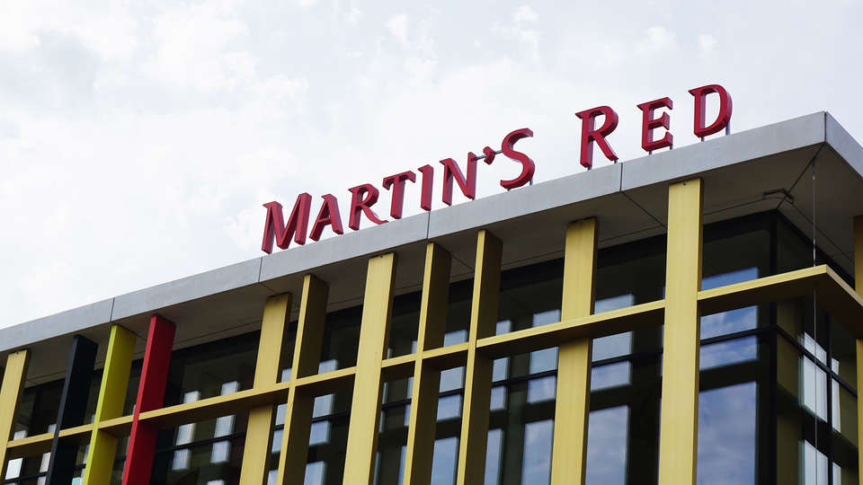 Martin's Red - EDIT_front.jpg