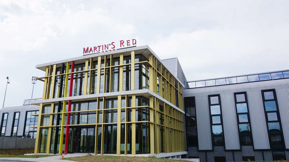Martin's Red - EDIT_front1.jpg