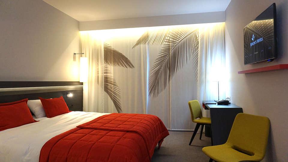 Martin's Red - EDIT_room1.jpg