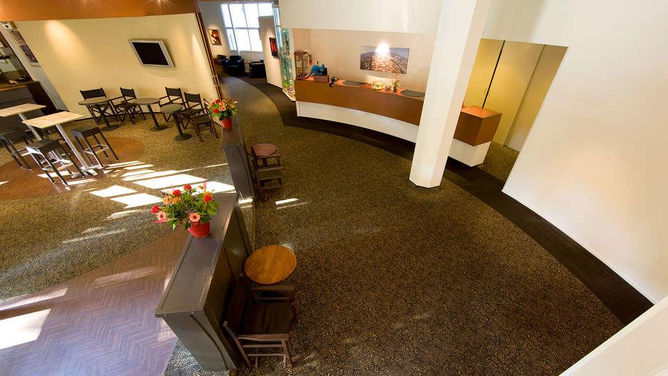 Best Western Plus Berghotel Amersfoort - EDIT_Reception.jpg
