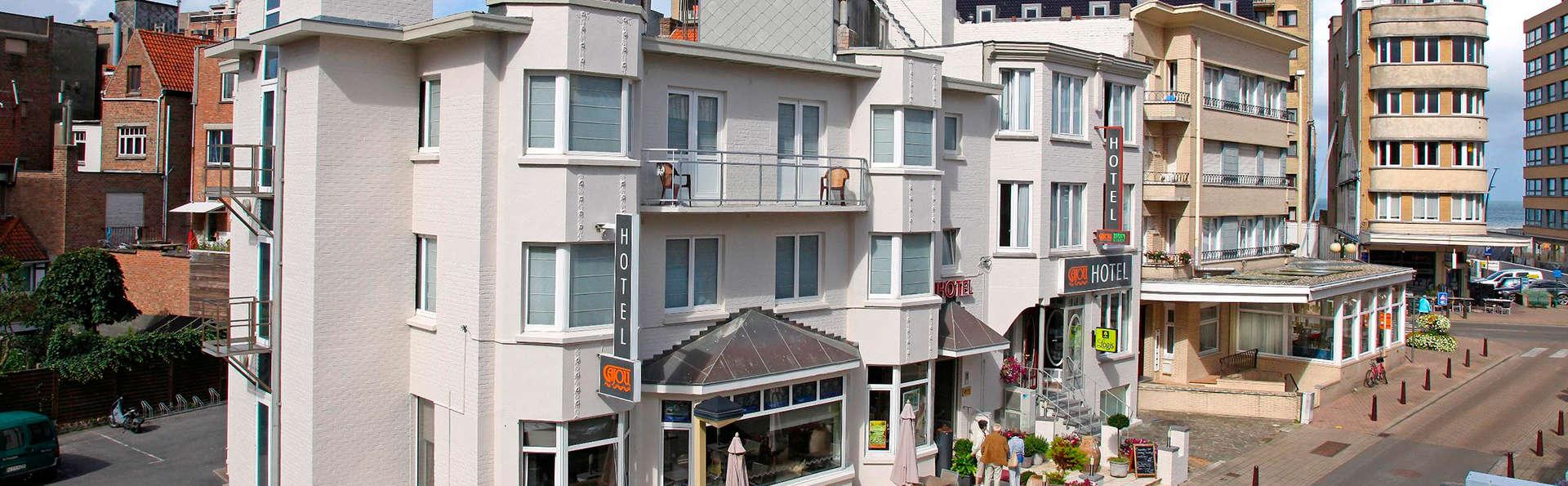 Cajou Hotel - EDIT_front.jpg