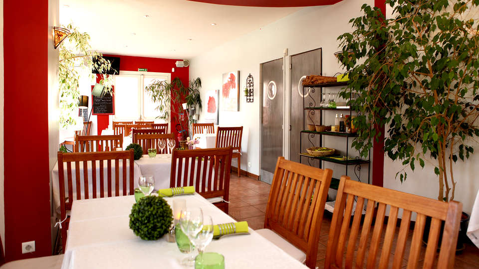 Hôtel Gil de France - Edit_Restaurant2.jpg
