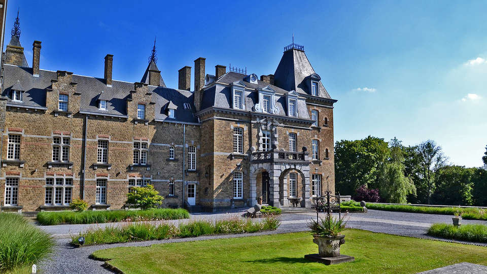 Domaine de Ronchinne - EDIT_Exterior2.jpg