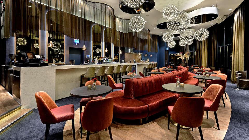 Van der Valk Hotel Tiel - Edit_bar4.jpg