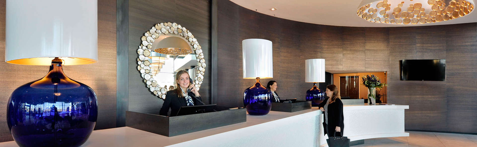 Van der Valk Hotel Tiel - Edit_Reception.jpg