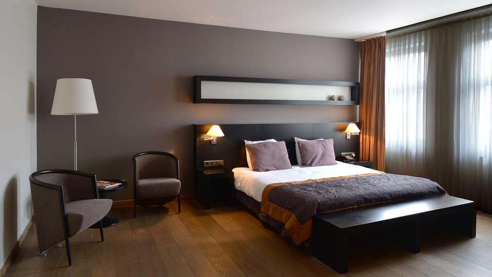 Van Eyck Hotel  - edit_Deluxe-room.jpg