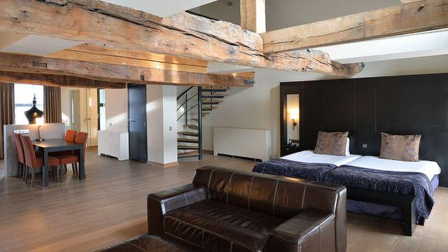 Luxe romantisch verblijf met jet-stream ligbad, regendouche en infraroodcabine in je suite