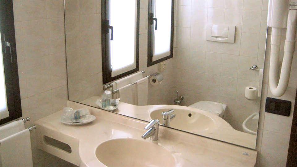 Arosio Hotel - Edit_Bathroom.jpg
