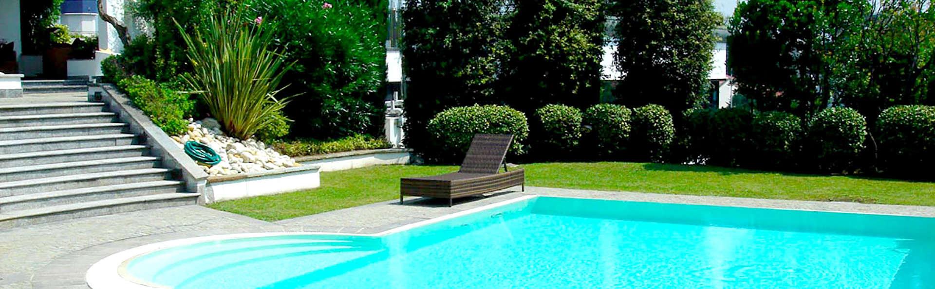 Arosio Hotel - Edit_Pool2.jpg