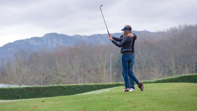 Escapada con bautismo de Golf, pintxo con bebida incluida y copa de bienvenida en Vitoria