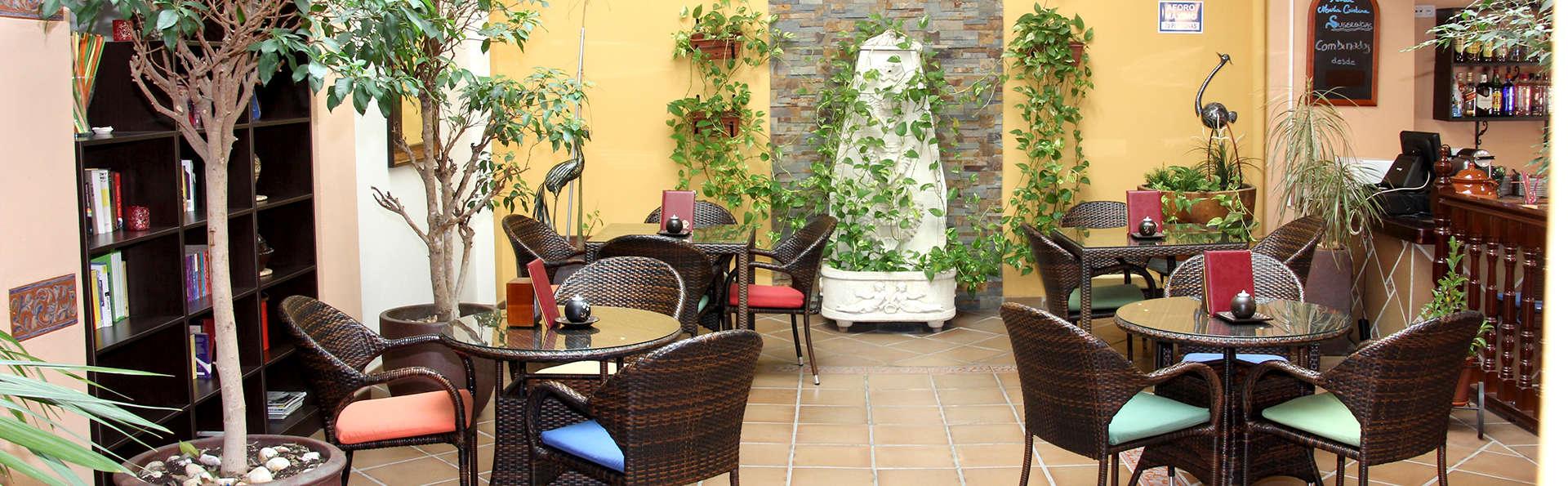 Hotel María Cristina - Edit_bar3.jpg