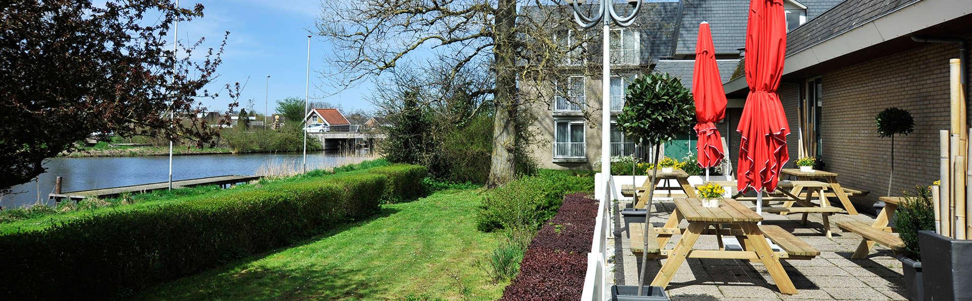 Tulip Inn Leiderdorp - Edit_Terrace2.jpg