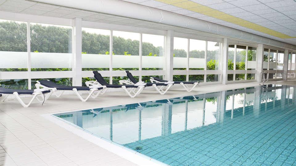 Fletcher Hotel Restaurant Spaarnwoude - EDIT_pool1.jpg