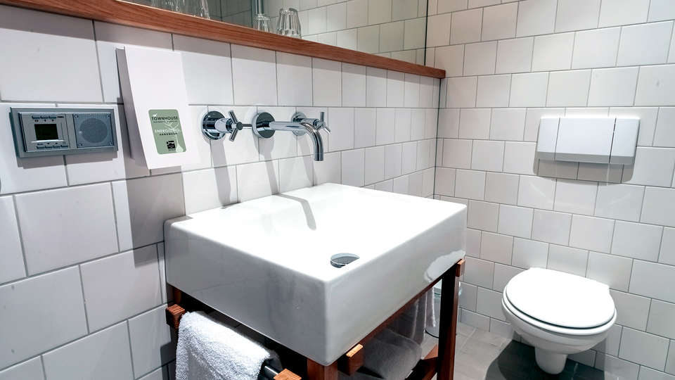 Townhouse Maastricht - Edit_Bathroom.jpg