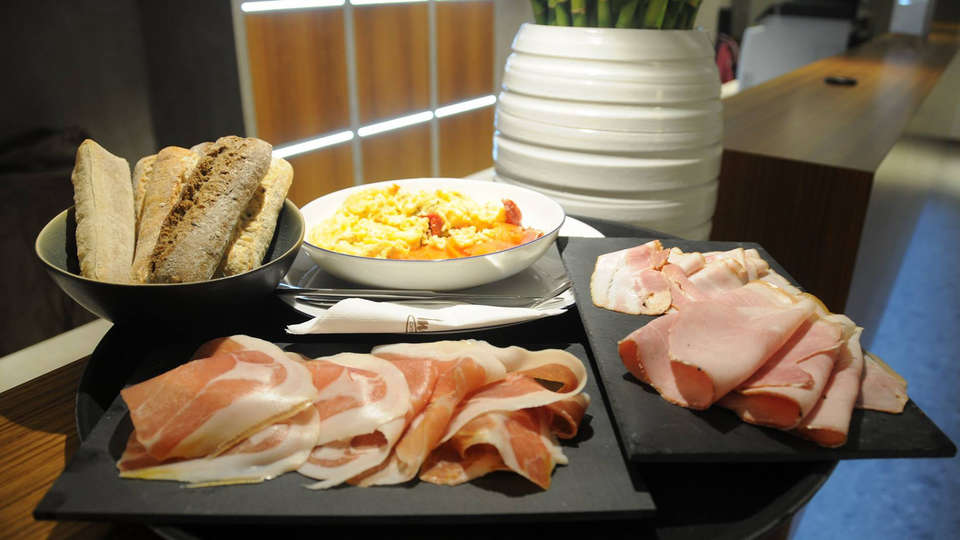 Tower Hotel - edit_breakfast.jpg