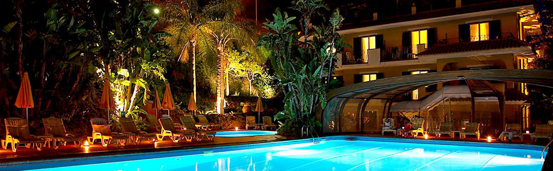 Hotel Caparena - Edit_Pool.jpg