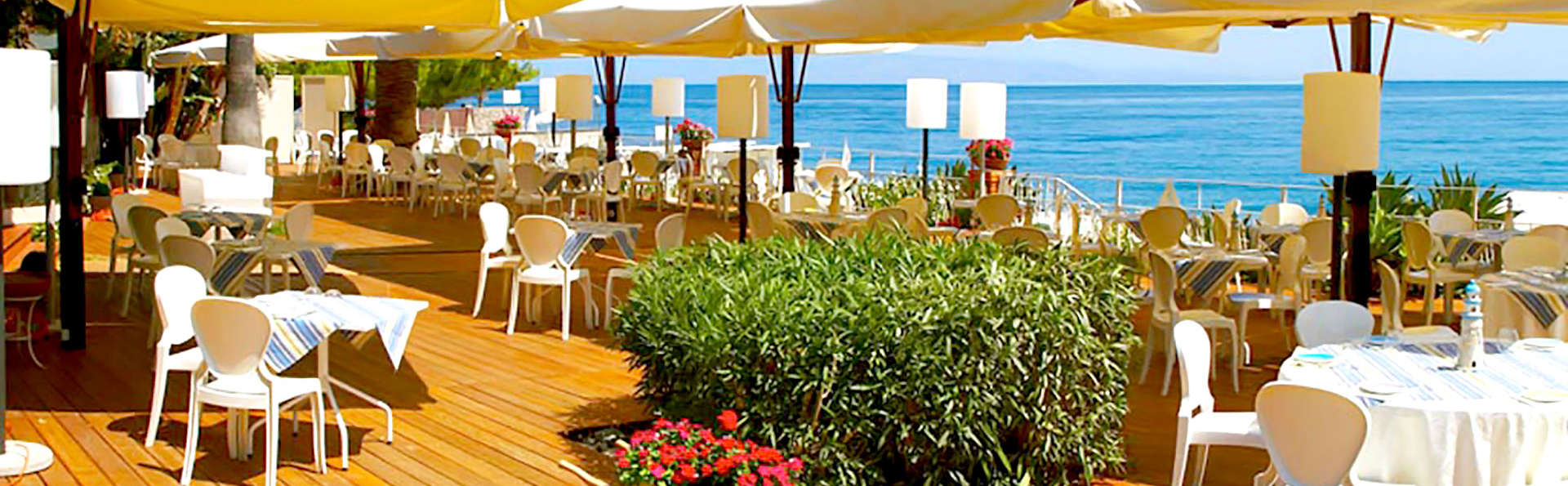 Hotel Caparena - Edit_Terrace.jpg