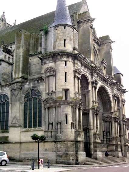 Église Notre-Dame-de-l'Assomption de Villeneuve-sur-Yonne
