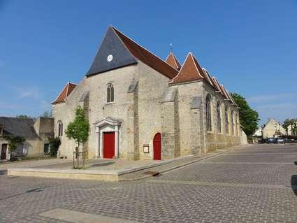 Église Saint-Pierre-et-Saint-Paul de Courtenay