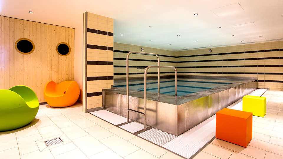 Mercure Duisburg City - EDIT_NEW_POOL.jpg