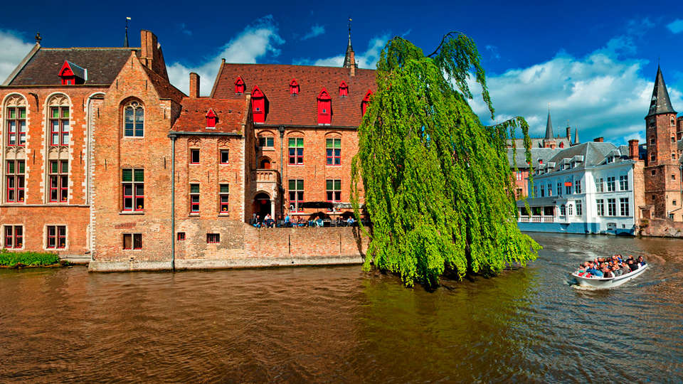 The Golden Tree Hotel - edit_brugge2.jpg