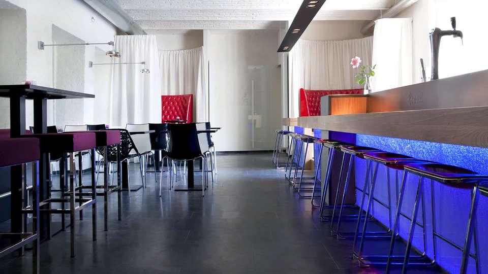 Teaching Hotel Château Bethlehem - Edit_Bar.jpg