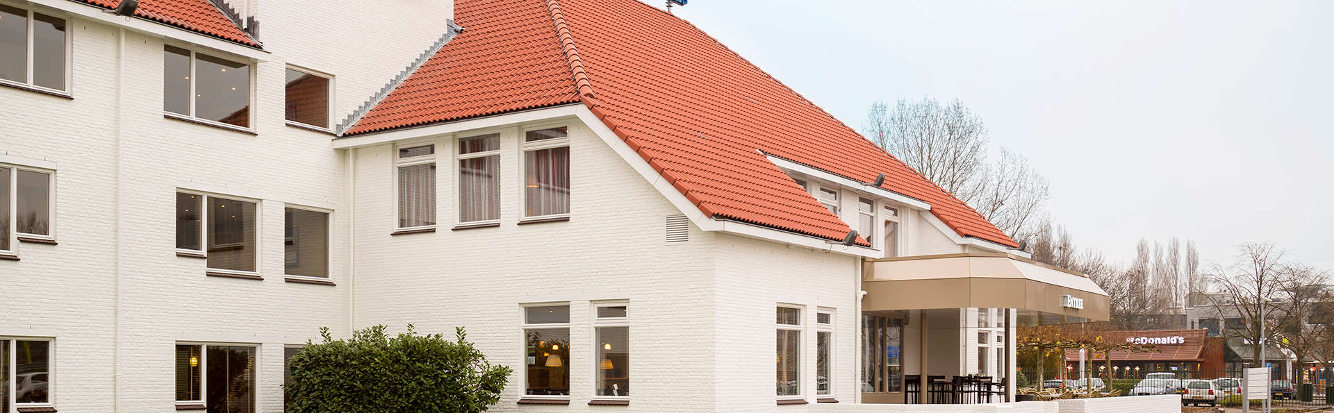 Fletcher Hotel-Restaurant 's-Hertogenbosch - EDIT_Exterior1.jpg