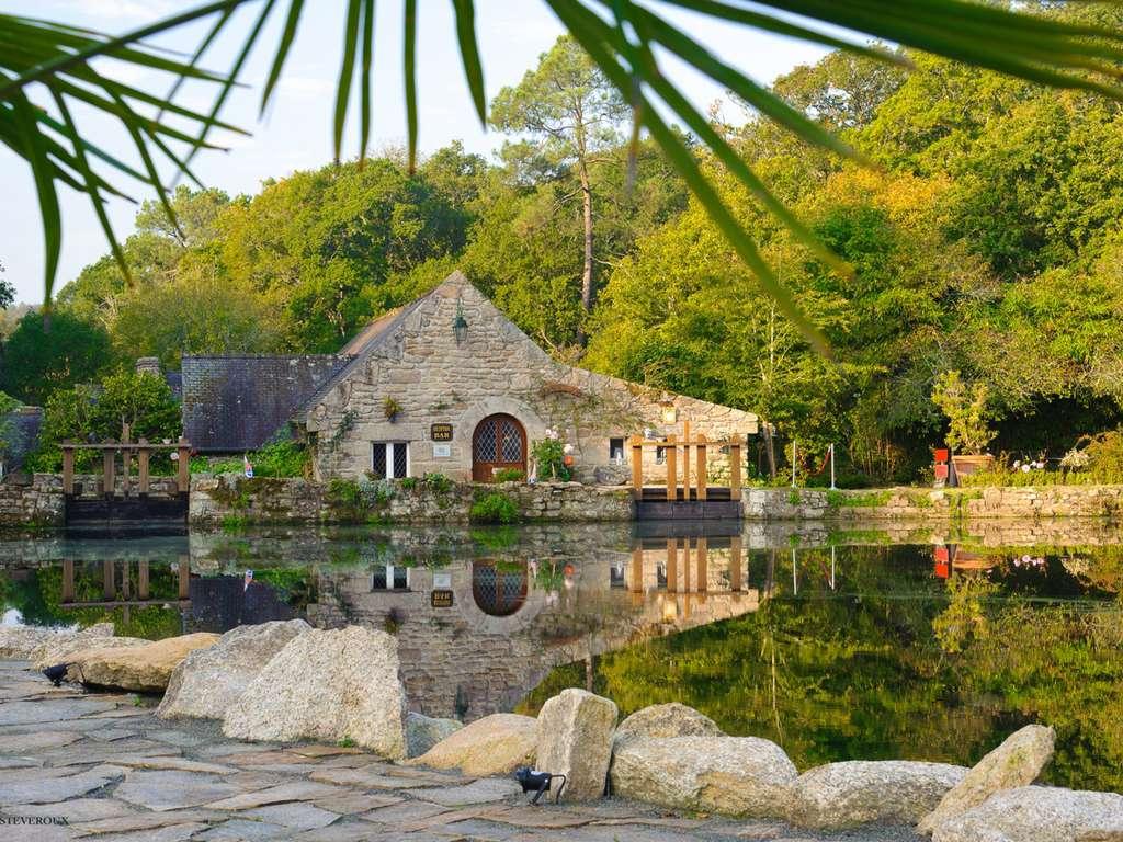 Séjour France - Invitation au voyage dans un moulin de charme à Möelan-Sur-Mer et surprise en chambre  - 4*