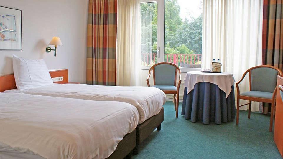 Fletcher Landhotel Bosrijk Roermond - EDIT_Room3.jpg