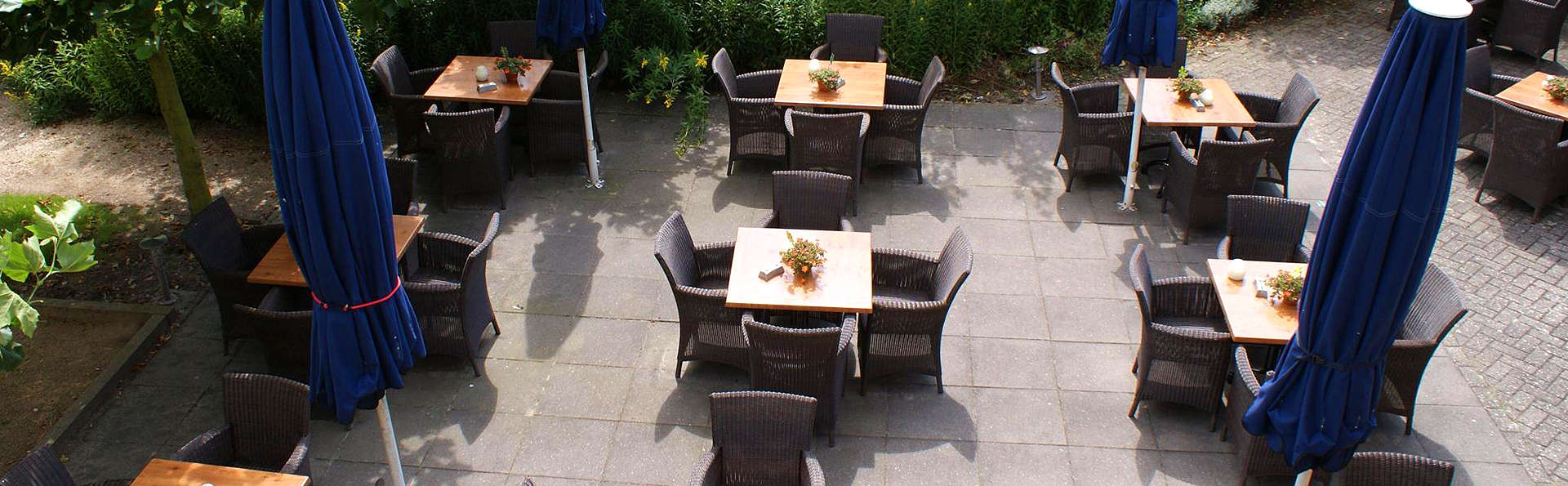 Fletcher Landhotel Bosrijk Roermond - EDIT_Terrace.jpg