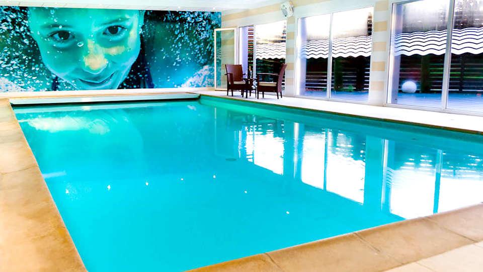 Brit Hôtel Saint-Brieuc Langueux - Edit_Pool.jpg