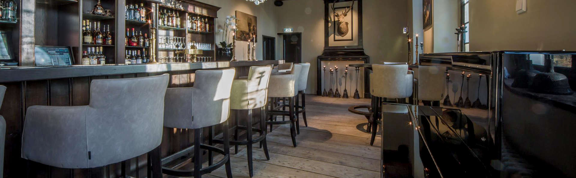 Fletcher Landgoedhotel Renesse - EDIT_Bar.jpg