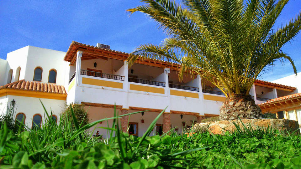 Hotel Rural Almirez-Alpujarra - EDIT_front.jpg