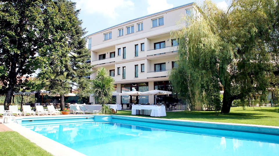 Blue Dream Hotel - Edit_Pool.jpg