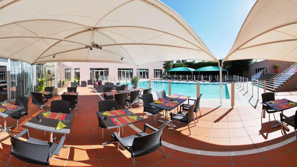 Best Western Plus Hôtel Admiral - EDIT_terrace.jpg