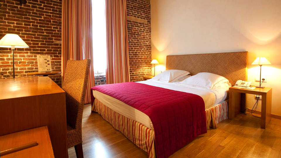Ghent River hotel - EDIT_Room1.jpg