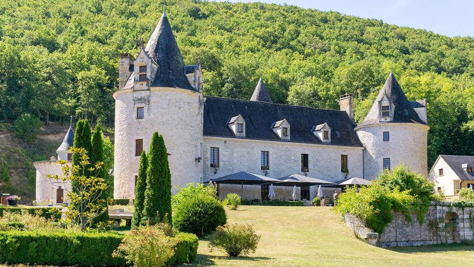 Château de la Fleunie - Edit_Front.jpg