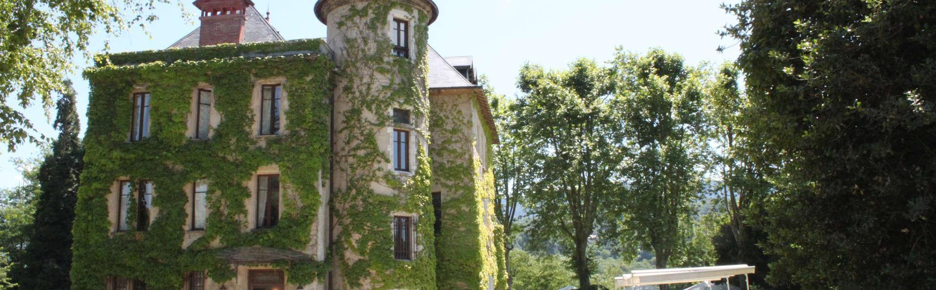 Château de la Tour du Puits - EDIT_front.jpg