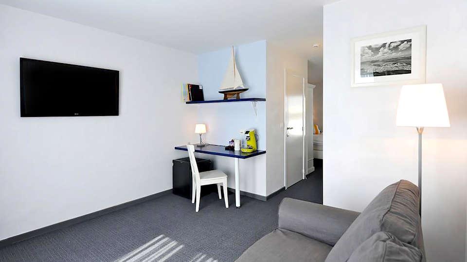 Avenue Beach Hotel - Edit_Room.jpg