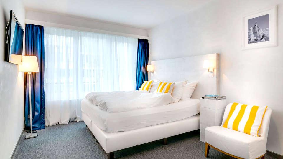 Avenue Beach Hotel - Edit_Room3.jpg
