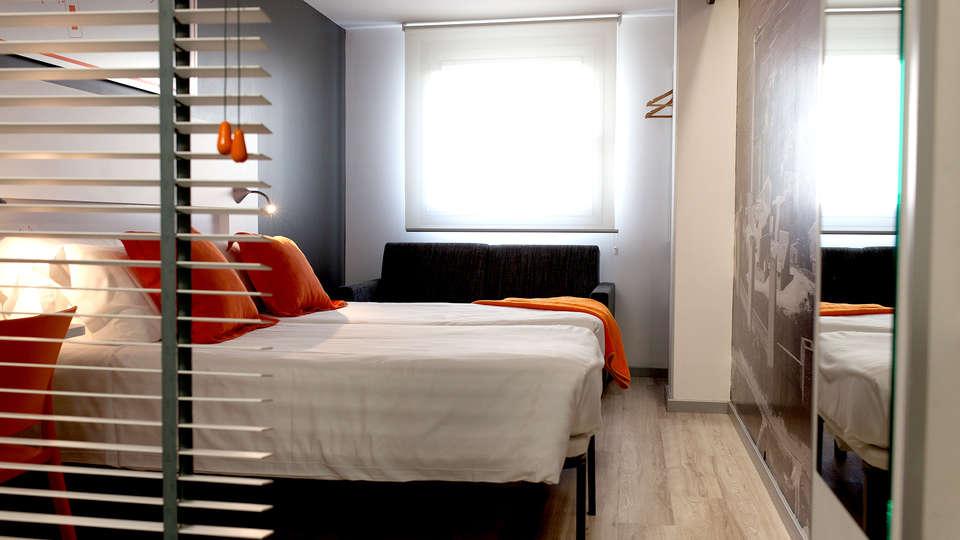 Hotel Bed4U Pamplona - EDIT_NEW_ROOM3.jpg