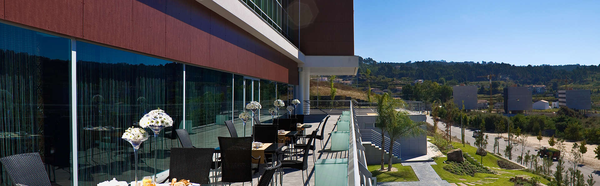 Penafiel Park Hotel & Spa - EDIT_terrace.jpg