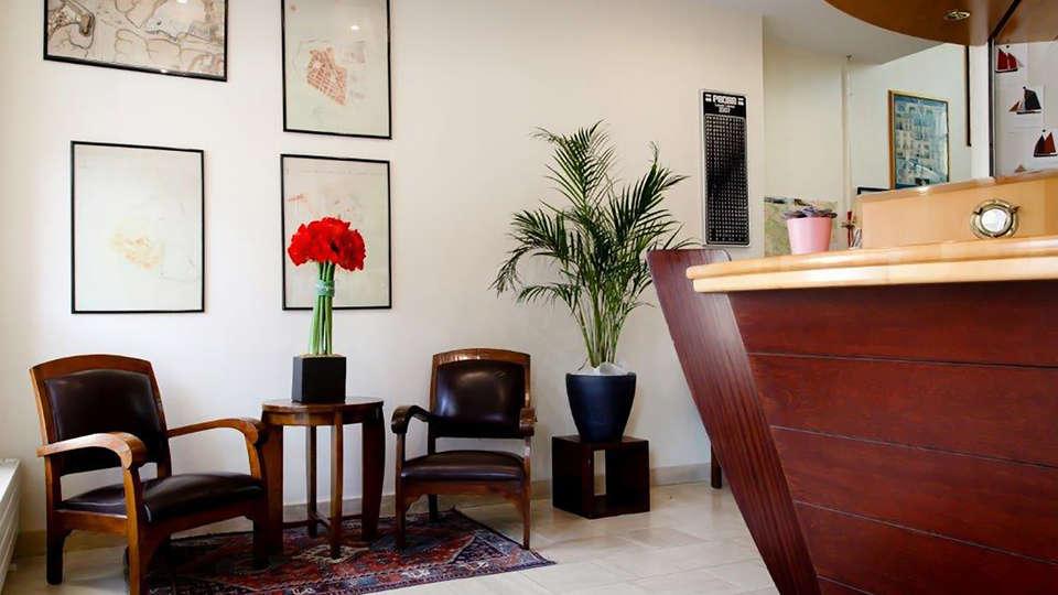 Rex Hôtel - Edit_Reception.jpg