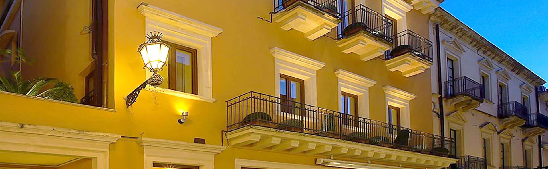 Hotel Isabella - Edit_Front.jpg