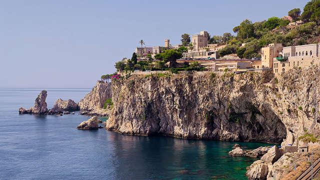 Ambiance de charme dans les rues historiques de Taormine