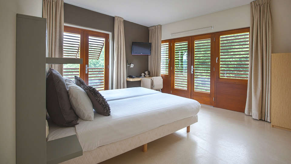 Hampshire Boshotel Overberg - EDIT_Room3.jpg