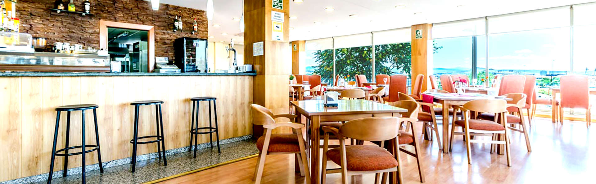 Hotel Saylu Granada - Edit_bar.jpg