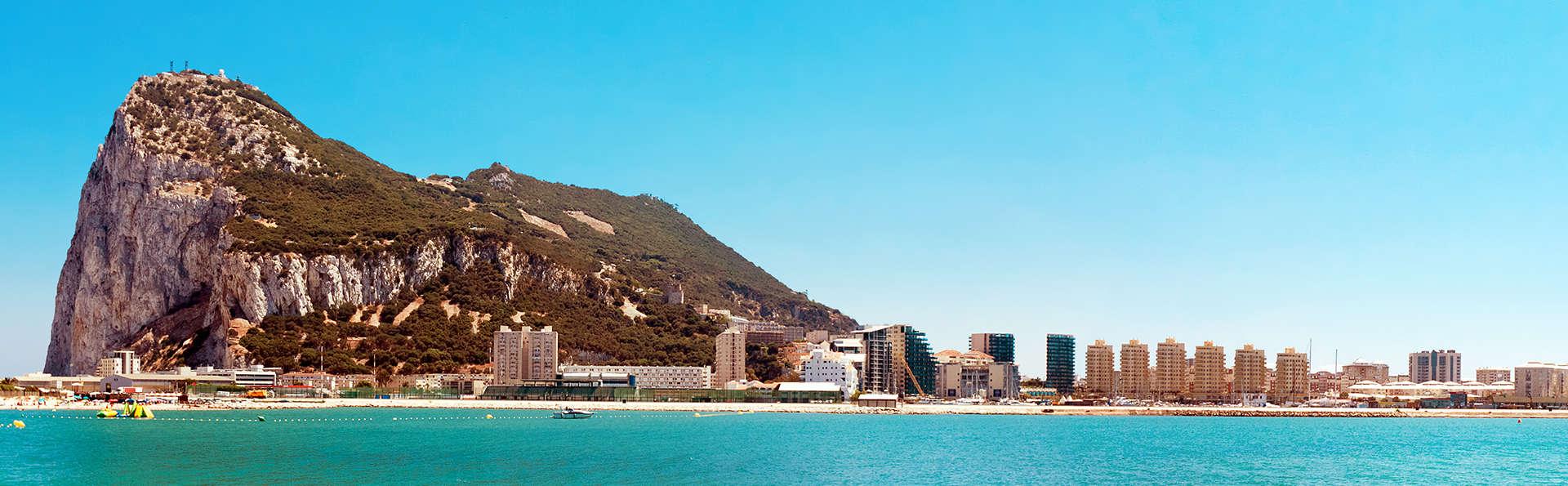 Escapada a dos pasos de Gibraltar con vistas a la Bahía