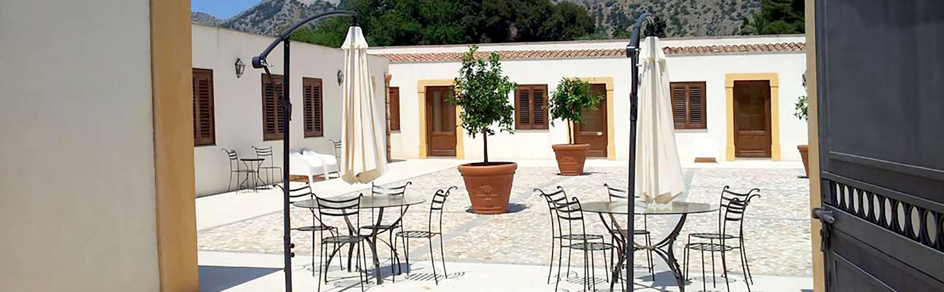 Villa Lampedusa - Edit_Terrace.jpg