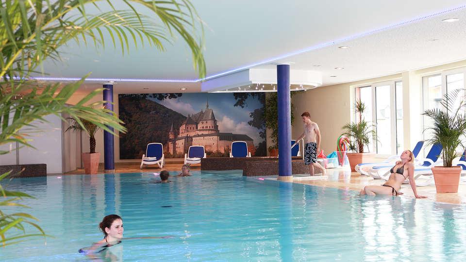 Hotel Belle Vue - EDIT_pool.jpg